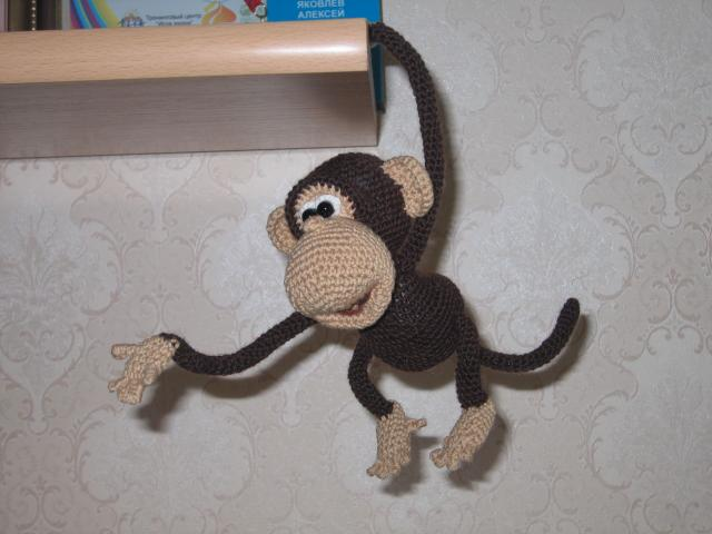 Видео как вязать обезьянку крючком