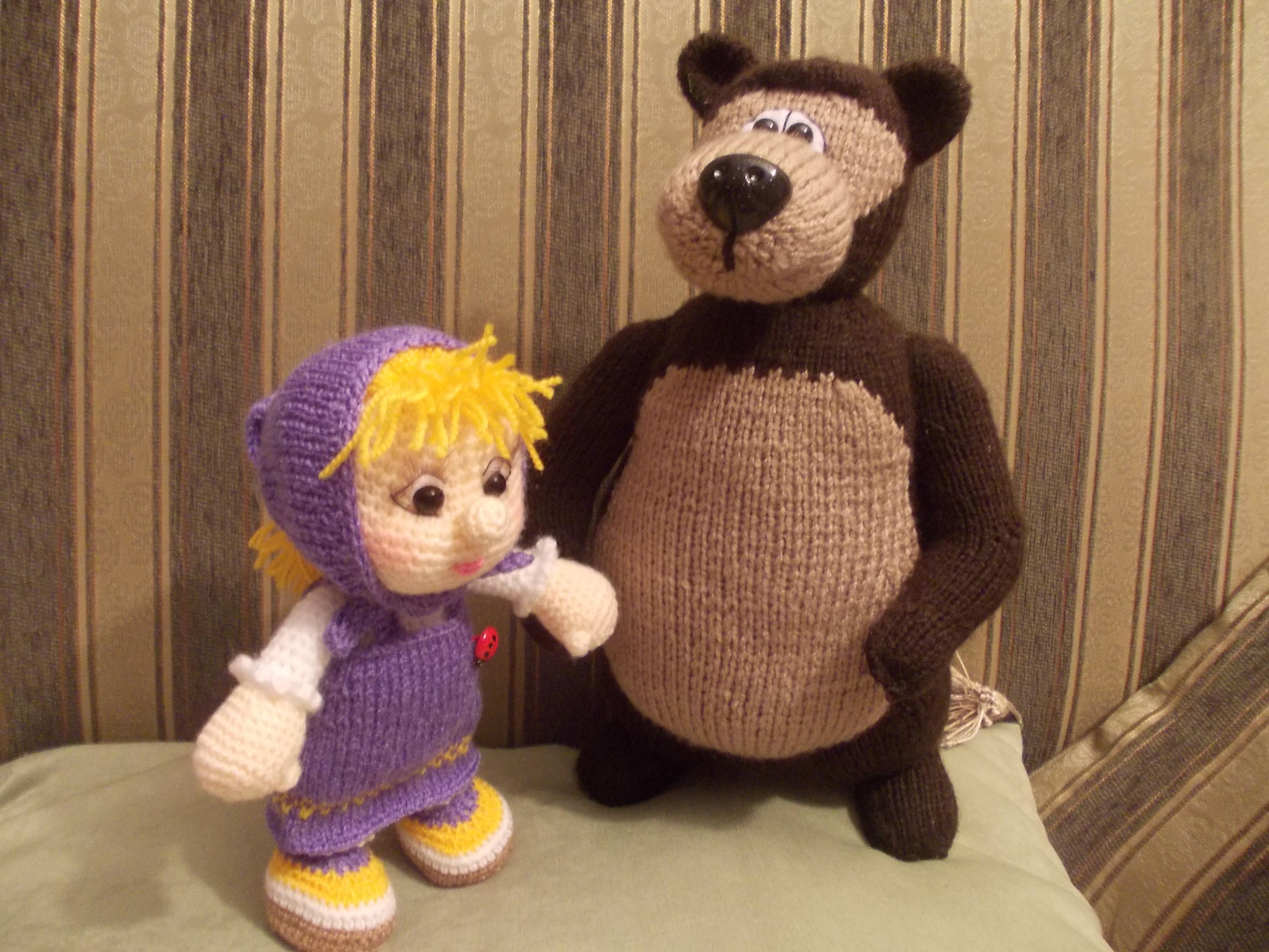 Как связать крючком Мишу и Машу из мультфильма?