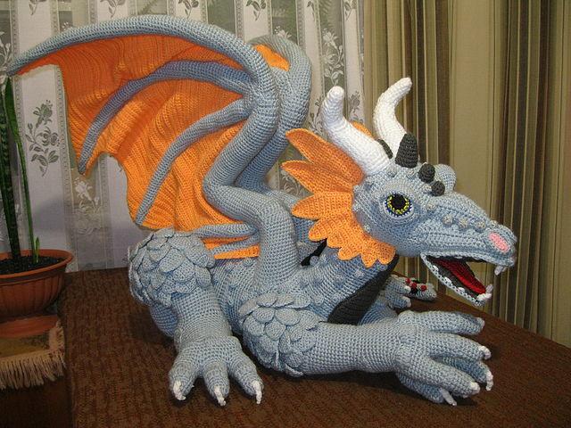 Вязанные дракончиков